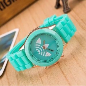 Unisex Mint Trefoil Sports Fashion Watch